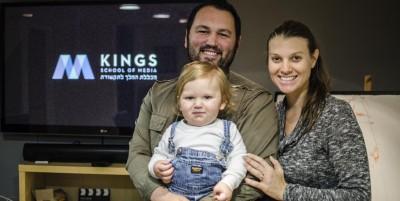 Greg og Sarah med sønnen Zacharias