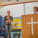 Anne-Mette og Jeppe Ladegaard skal til Jerusalem som kirkevolontører til september. Det blev markeret ved forbøn i teltet.