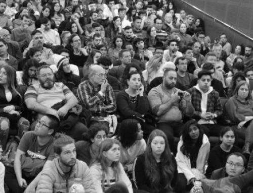 """""""Har videnskaben begravet Gud?"""" – 400 studerende samlet til forelæsning om tro i Israel"""