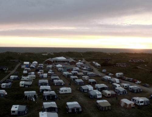 Vesterhavet og mennesker med noget på hjerte – Kom med på Holmsborg bibelcamping